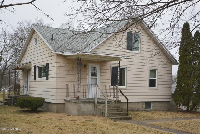 619 E Third Street, Lawton, MI 49065 (MLS #19000548) :: Matt Mulder Home Selling Team