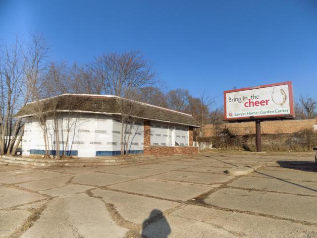 415 E Main Street, Benton Harbor, MI 49022 (MLS #19000649) :: Deb Stevenson Group - Greenridge Realty
