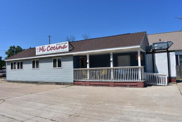 103 S Beechtree Street, Grand Haven, MI 49417 (MLS #19000947) :: Matt Mulder Home Selling Team