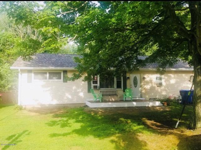 1672 Grove Avenue, Benton Harbor, MI 49022 (MLS #19001073) :: JH Realty Partners