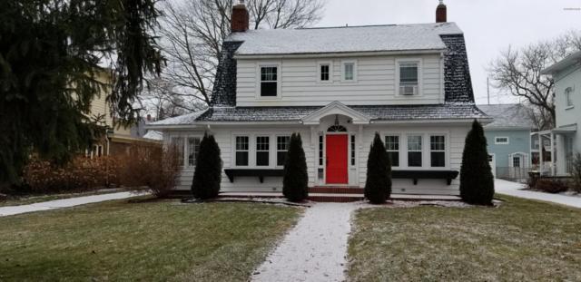 224 E Washington Street, Ionia, MI 48846 (MLS #19001142) :: Matt Mulder Home Selling Team