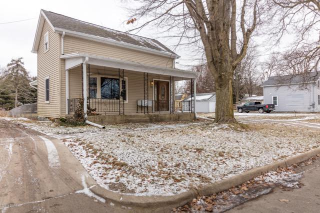 735 E Green Street, Marshall, MI 49068 (MLS #19001204) :: Matt Mulder Home Selling Team