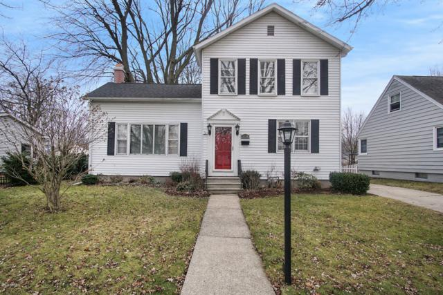 1034 Marion Avenue, Grand Haven, MI 49417 (MLS #19001401) :: Matt Mulder Home Selling Team