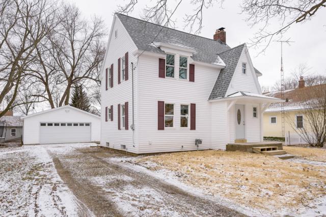 707 W Hanover Street, Marshall, MI 49068 (MLS #19001440) :: Matt Mulder Home Selling Team