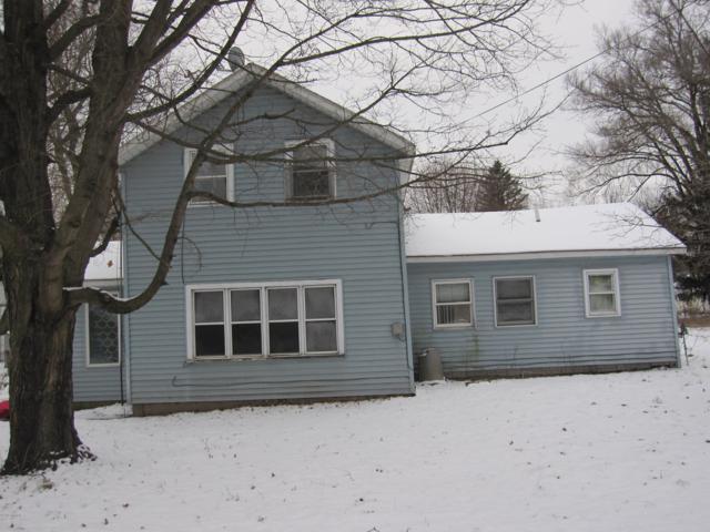 15484 Oak Street, Gobles, MI 49055 (MLS #19001465) :: Matt Mulder Home Selling Team
