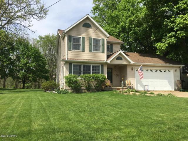 319 E Hughes Street, Marshall, MI 49068 (MLS #19001486) :: Matt Mulder Home Selling Team