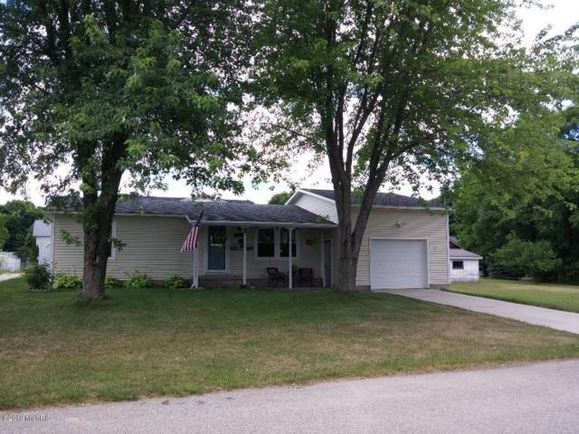 107 Green Street, Scottville, MI 49454 (MLS #19001551) :: Deb Stevenson Group - Greenridge Realty