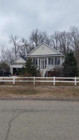 2689 Jolly Roger Drive, Wayland, MI 49348 (MLS #19001730) :: Matt Mulder Home Selling Team