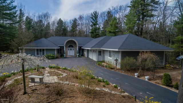 5389 Ridge Road, Pentwater, MI 49449 (MLS #19001817) :: JH Realty Partners