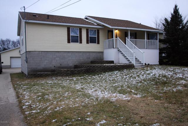 2467 Vine Avenue, Muskegon, MI 49442 (MLS #19001907) :: Matt Mulder Home Selling Team
