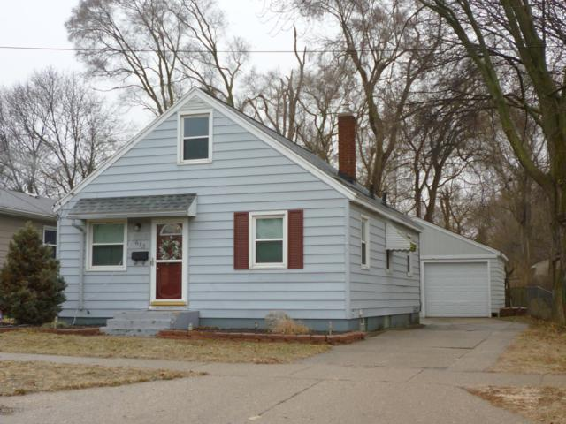 613 Cricklewood Street SW, Wyoming, MI 49509 (MLS #19002003) :: CENTURY 21 C. Howard