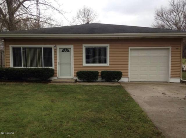 302 Hillview Street, Buchanan, MI 49107 (MLS #19002007) :: JH Realty Partners