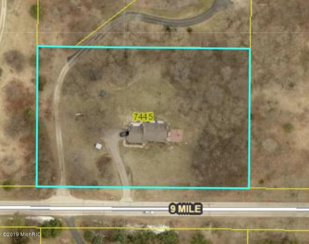 7445 9 Mile Road NE, Rockford, MI 49341 (MLS #19002067) :: Matt Mulder Home Selling Team