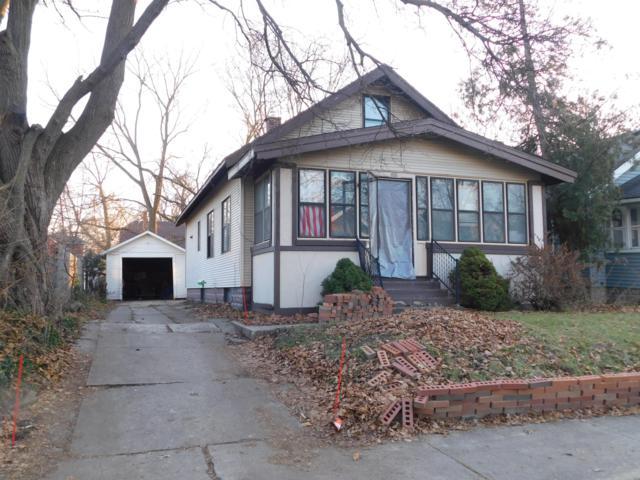 616 Woodridge Street NE, Grand Rapids, MI 49505 (MLS #19002073) :: Matt Mulder Home Selling Team