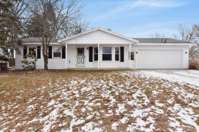 2518 Miles Standish Drive, Holland, MI 49424 (MLS #19002078) :: Matt Mulder Home Selling Team