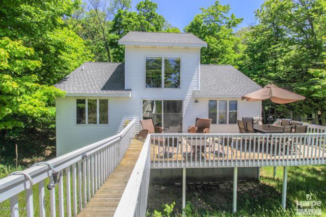 7329 N Old Channel Trail, Montague, MI 49437 (MLS #19002094) :: Matt Mulder Home Selling Team