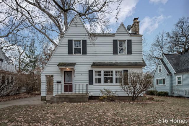 844 Oaklawn Street NE, Grand Rapids, MI 49505 (MLS #19002136) :: Matt Mulder Home Selling Team