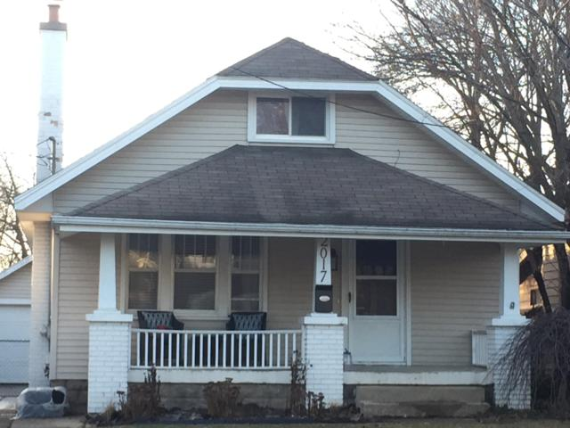 2017 Edgewood Avenue NE, Grand Rapids, MI 49505 (MLS #19002173) :: Matt Mulder Home Selling Team