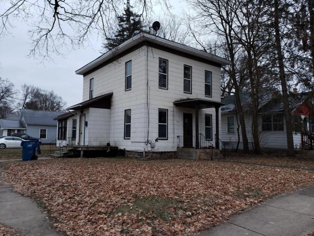 315 E Grove Street, Greenville, MI 48838 (MLS #19002774) :: JH Realty Partners