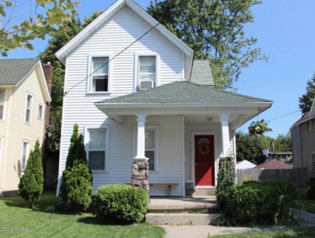 733 5th Street NW, Grand Rapids, MI 49504 (MLS #19002937) :: JH Realty Partners