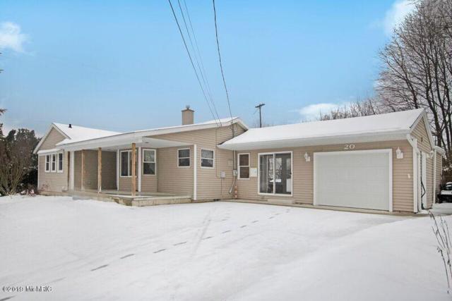 20 S Lincoln Street, Rockford, MI 49341 (MLS #19003241) :: Deb Stevenson Group - Greenridge Realty