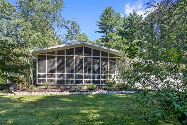 6181 Hillview Court, Sawyer, MI 49125 (MLS #19003390) :: JH Realty Partners