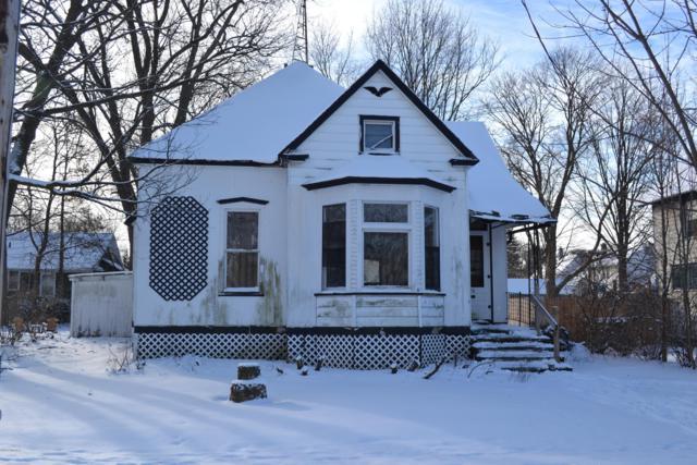 1216 Broadway Street, Niles, MI 49120 (MLS #19003913) :: Deb Stevenson Group - Greenridge Realty