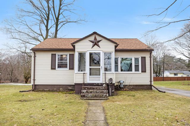 518 Cecil Avenue, Buchanan, MI 49107 (MLS #19004580) :: Deb Stevenson Group - Greenridge Realty