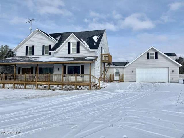 5766 S Pere Marquette Highway, Ludington, MI 49431 (MLS #19004985) :: JH Realty Partners