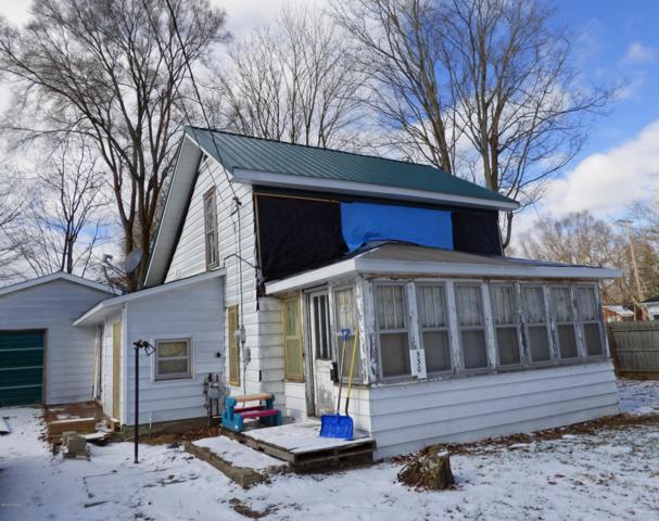 530 Olds Avenue, Hartford, MI 49057 (MLS #19005034) :: Deb Stevenson Group - Greenridge Realty