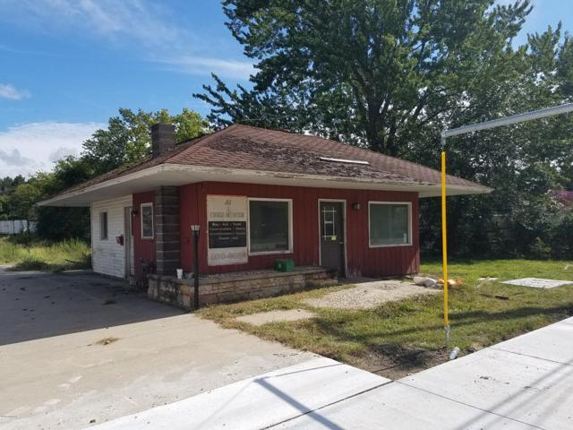 891 Lincoln Avenue, Holland, MI 49423 (MLS #19005154) :: JH Realty Partners