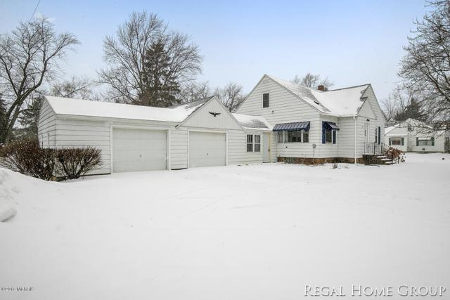 11325 60th Avenue, Allendale, MI 49401 (MLS #19005225) :: Deb Stevenson Group - Greenridge Realty