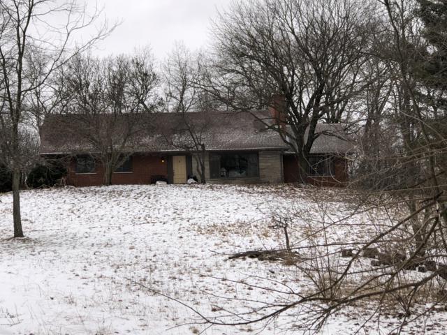 66472 N Centerville Road, Sturgis, MI 49091 (MLS #19005712) :: Deb Stevenson Group - Greenridge Realty