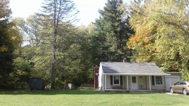 705 N 8th Street, Kalamazoo, MI 49009 (MLS #19005781) :: Matt Mulder Home Selling Team