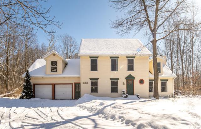 13212 104th Avenue, Grand Haven, MI 49417 (MLS #19005891) :: Deb Stevenson Group - Greenridge Realty