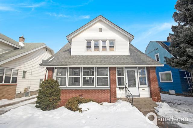 863 Lake Michigan Drive NW, Grand Rapids, MI 49504 (MLS #19006190) :: Matt Mulder Home Selling Team