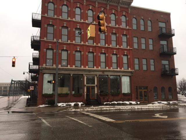 801 Monroe Avenue NW #202, Grand Rapids, MI 49503 (MLS #19006287) :: JH Realty Partners