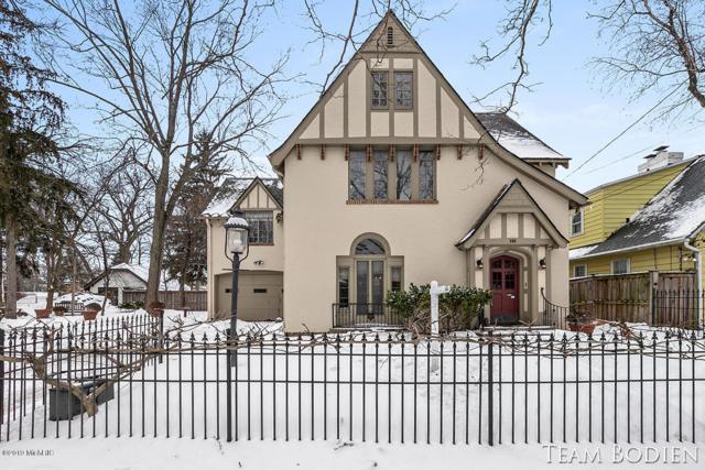 508 Fountain Street NE, Grand Rapids, MI 49503 (MLS #19007255) :: JH Realty Partners