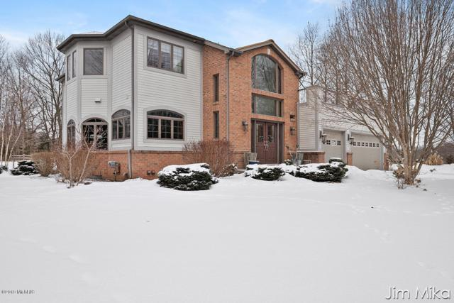 13999 Thompson Drive NE, Lowell, MI 49331 (MLS #19007257) :: Deb Stevenson Group - Greenridge Realty