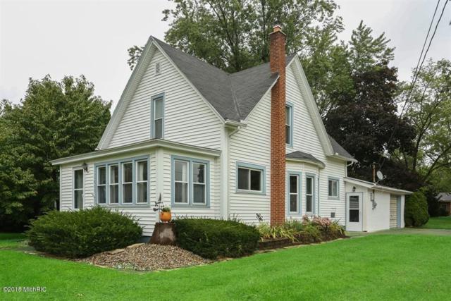 411 Oak Street, Three Oaks, MI 49128 (MLS #19007269) :: Deb Stevenson Group - Greenridge Realty