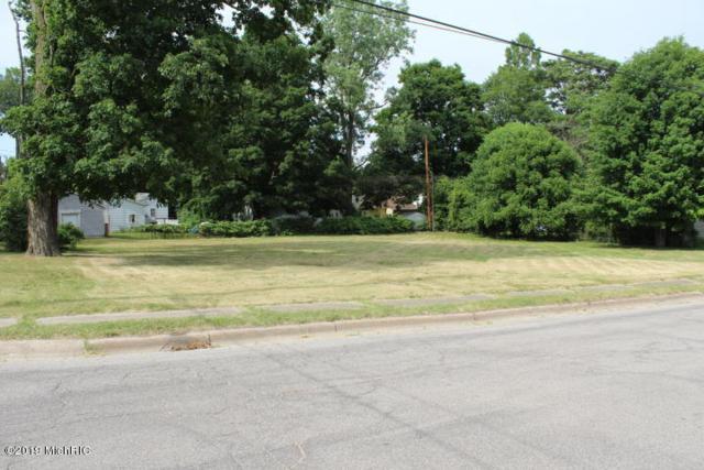 126 W Smith Street, Buchanan, MI 49107 (MLS #19007599) :: Deb Stevenson Group - Greenridge Realty