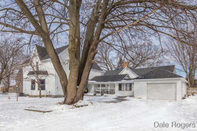 222 Hanover Street, Belding, MI 48809 (MLS #19008649) :: Matt Mulder Home Selling Team