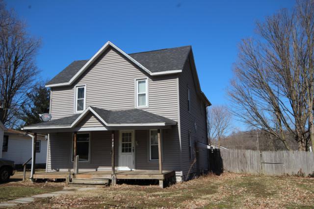 429 E Vine Street, Vicksburg, MI 49097 (MLS #19008776) :: Deb Stevenson Group - Greenridge Realty