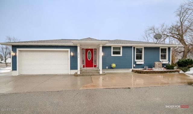 16814 Cecelia Lane, Spring Lake, MI 49456 (MLS #19008912) :: Matt Mulder Home Selling Team