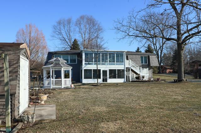 46253 Lakeview Drive, Decatur, MI 49045 (MLS #19009004) :: Deb Stevenson Group - Greenridge Realty