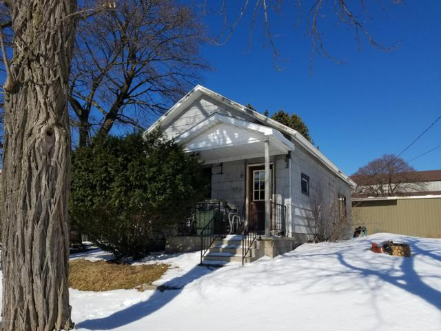 42 Lake Street, Manistee, MI 49660 (MLS #19009377) :: Deb Stevenson Group - Greenridge Realty