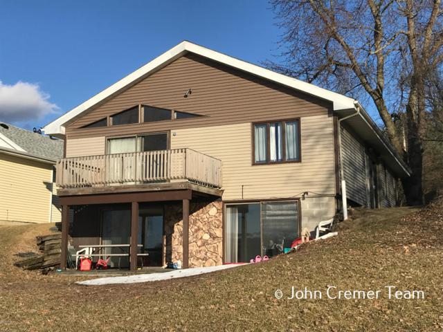 1621 Lakeside Drive, Ceresco, MI 49033 (MLS #19009629) :: Matt Mulder Home Selling Team