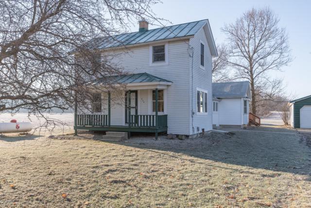 634 Riverview Drive, Plainwell, MI 49080 (MLS #19009797) :: Matt Mulder Home Selling Team