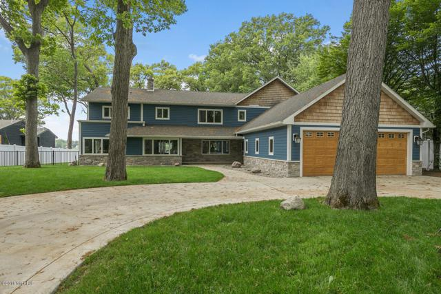 812 Oakmere Place, North Muskegon, MI 49445 (MLS #19009933) :: JH Realty Partners