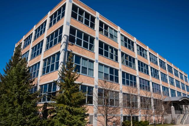 930 Washington Avenue 3M, Muskegon, MI 49441 (MLS #19010022) :: Deb Stevenson Group - Greenridge Realty